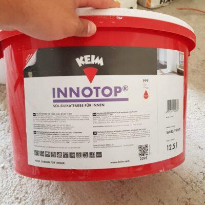 Nos hemos decantado por la pintura de la marca Innotop en color blanco.